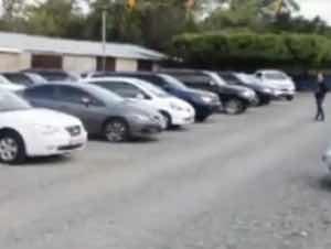 Roban cuatro vehículos en dealer de SFM