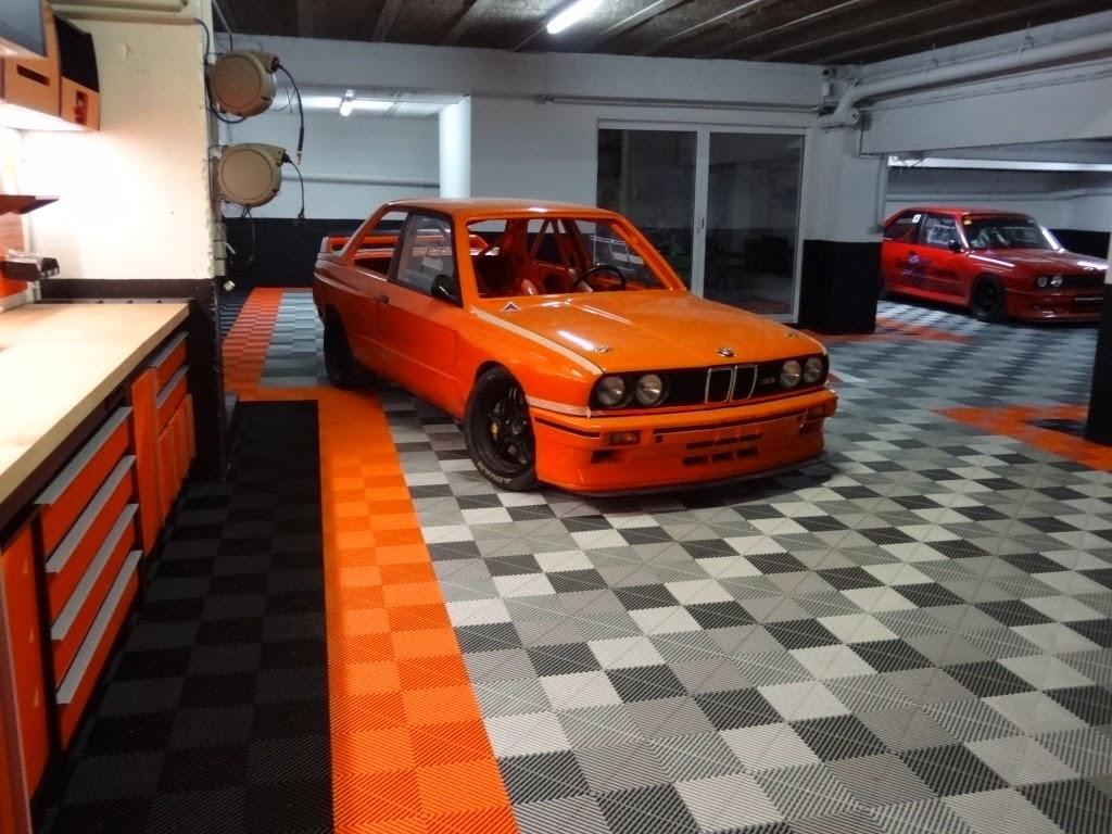 Ensemble orange bmw e30 trm garage for Garage specialiste bmw 77