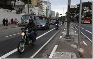 Faixa-exclusiva-para-motos