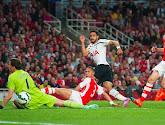 Chadli marque et partage à Arsenal
