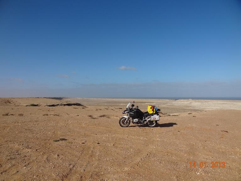 Marrocos e Mauritãnia a Queimar Pneu e Gasolina - Página 5 DSC05802