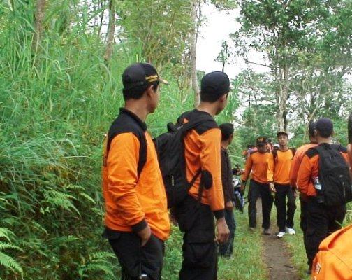 Berita foto video sinar ngawi terbaru: Pendaki remaja dan anak-anak itu di temukan tim SAR dalam kondisi selamat
