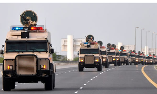 Bahrain - Saudi military vehicles enter Bahrain to help quell protesting Shia people. (photo-yemenfox.net)