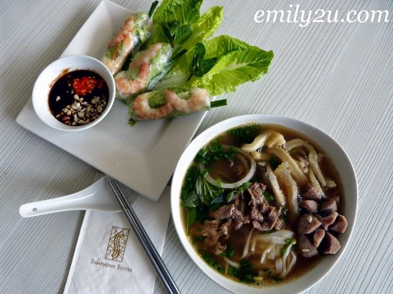 Vietnamese food Symphony Cafe