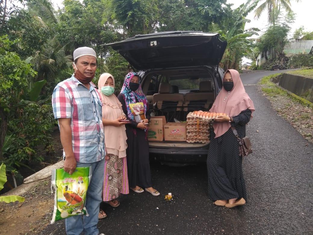 Indahnya Berbagi Di Bulan Ramadhan, Group WA Gado-Gado 91 Salurkan Bapok Kepada Yang Terampak Covid 19