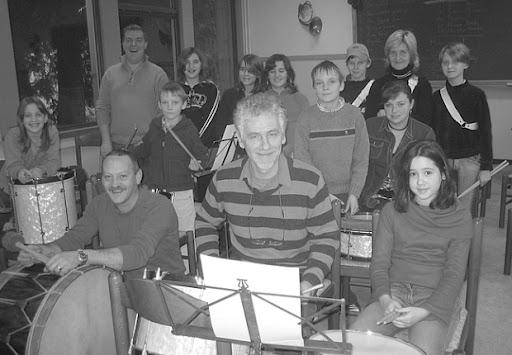 20070203 - De Jonge Kunstminnaars starten met drumband