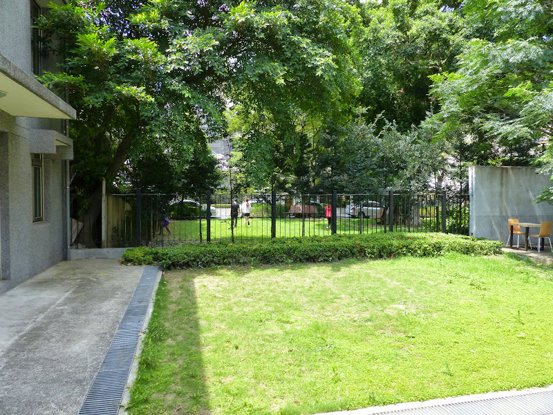 Taipei. Librairie Eslite, et deux maisons japonaises restaurées (dédiées à la poésie) - P1240919.JPG
