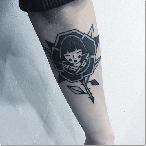 tatuaje_de_rosa_con_una_linda_chica_en_el_corazn