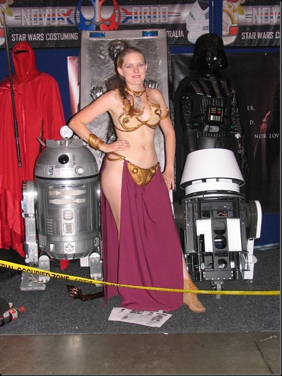 Princess Leia - Golden Bikini Cosplay_865825-0021