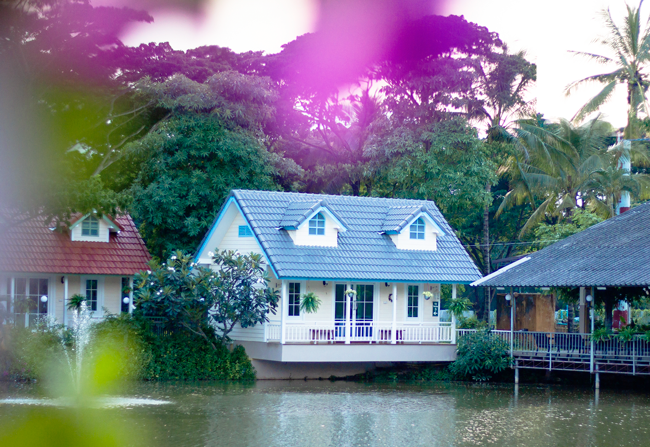The Floating Resturant in Chiang Mai | Lavender & Twill
