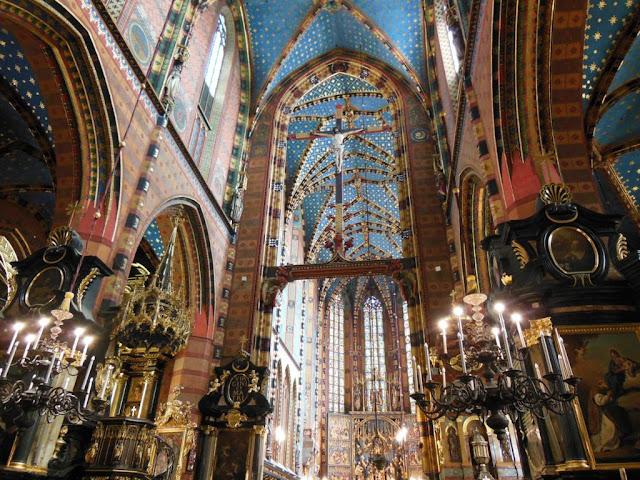 Interior de la iglesia de Santa Bárbara