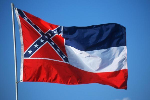Mississippi Republican crosses party lines to change state flag