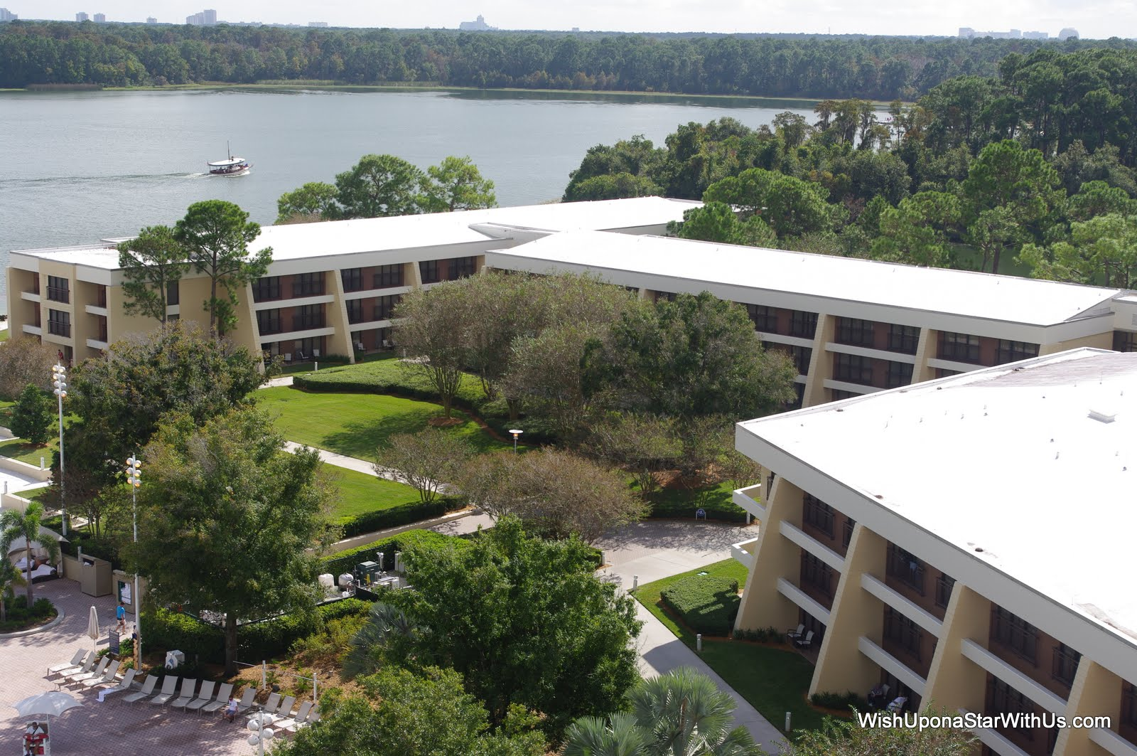 Disney 39 S Contemporary Resort Perfect Park Acres Wdwmagic Unofficial Walt Disney World