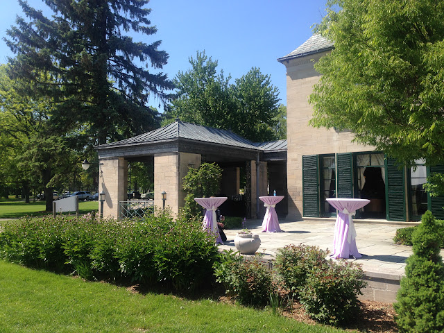 Earhart Manor wedding by TwoFoot Creative