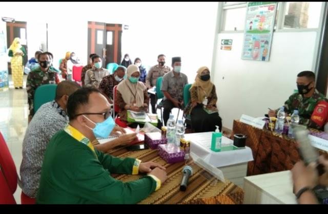 Wakili Danramil, Babinsa Koramil Loa Janan  Rapat Lintas Sektor Bidang Kesehatan Batuah