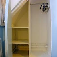 Room Z-wardrobe