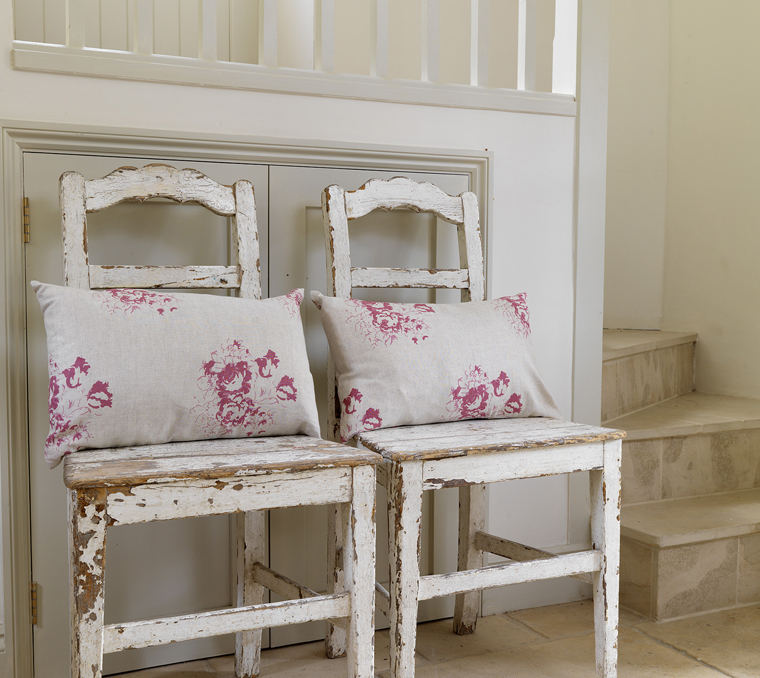 modern country style interview with christina strutt from cabbages and roses. Black Bedroom Furniture Sets. Home Design Ideas