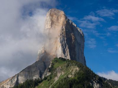 L'espectacular esperó nord-est del Mont Aiguille