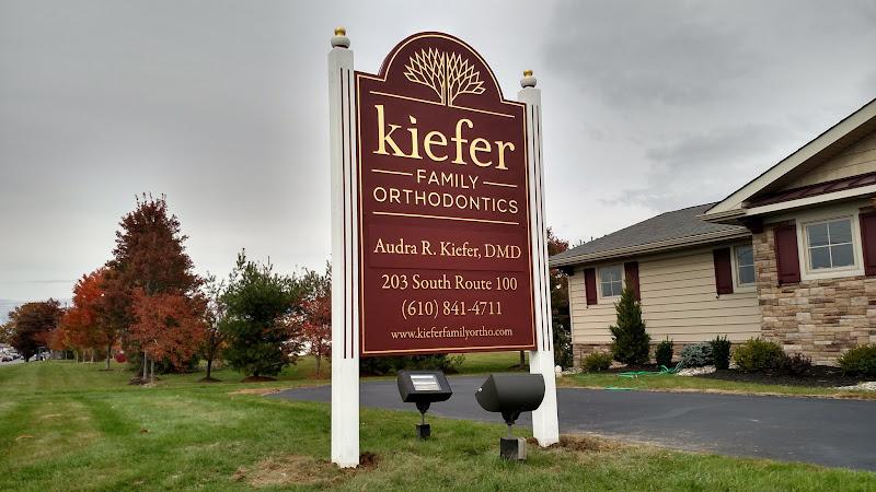 Kiefer Family Ortho - Gold Leaf