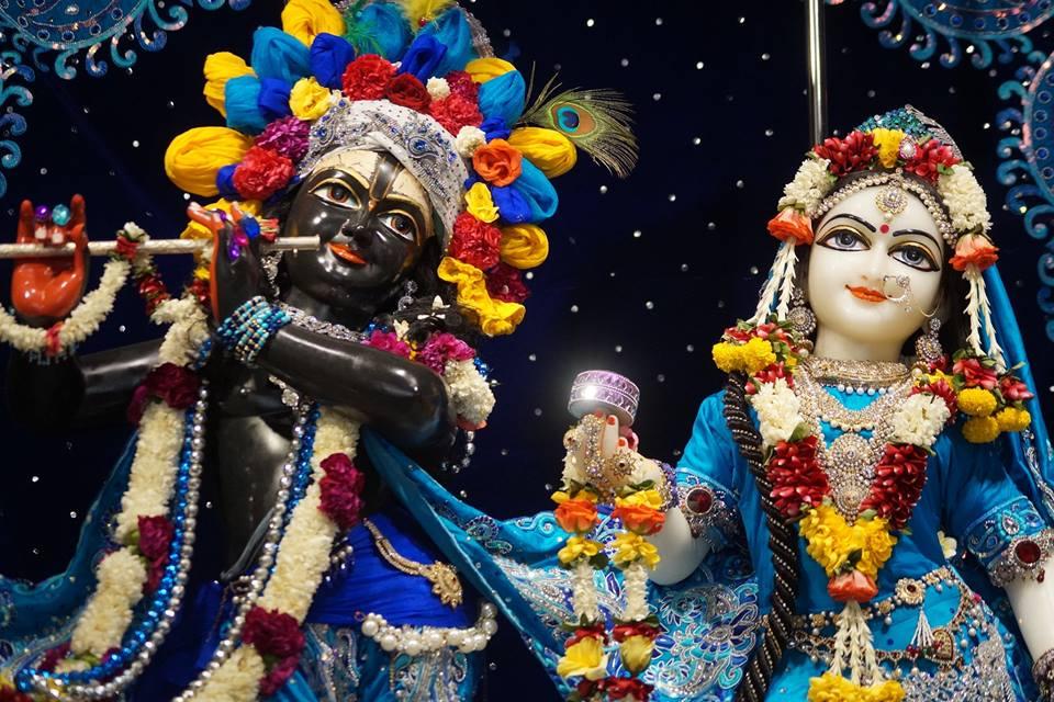 ISKCON Noida Deity Darshan 11 May 2016 (5)