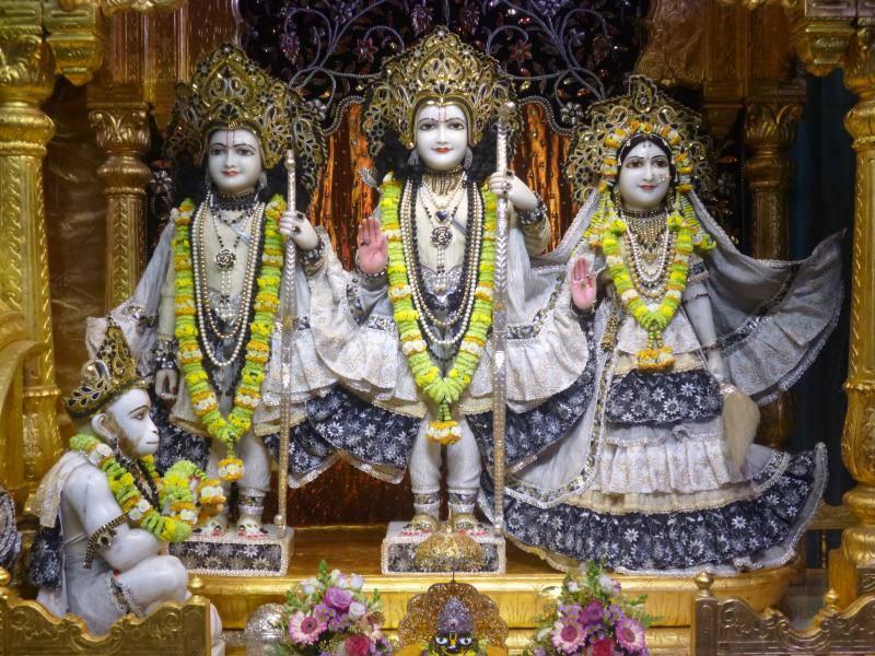 ISKCON Bhaktivedanta Manor Deity Darshan 16 Dec 2015 (4)