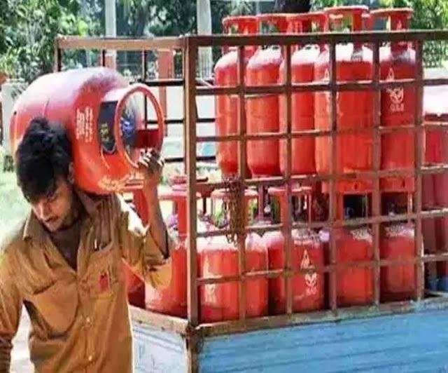 gas cylinder : केंद्र सरकार का बड़ा फैसला ,  एक करोड़ औऱ दिया जायेगा मुफ्त गैस सिलेंडर , करें कुछ ऐसा