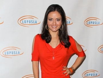 Danica McKellar Profile pictures, Dp Images, Display pics collection for whatsapp, Facebook, Instagram, Pinterest.