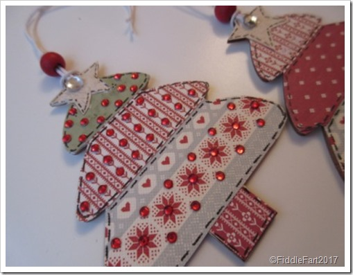 Nordic Christmas Tree Tag. Paper piecing