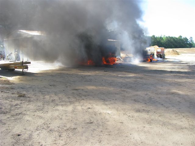 Floyd Farm Service Fire 001.jpg