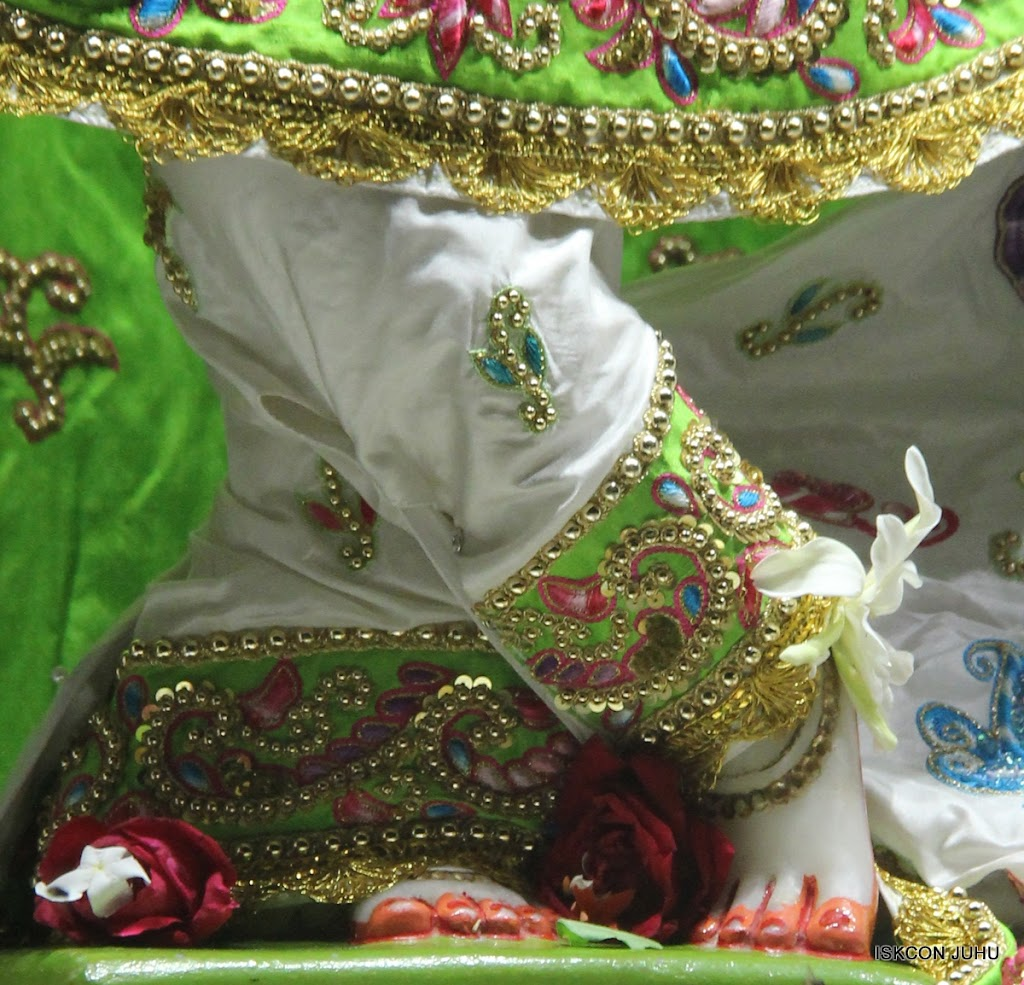 ISKCON Juhu Mangal Deity Darshan on 26th June 2016 (32)