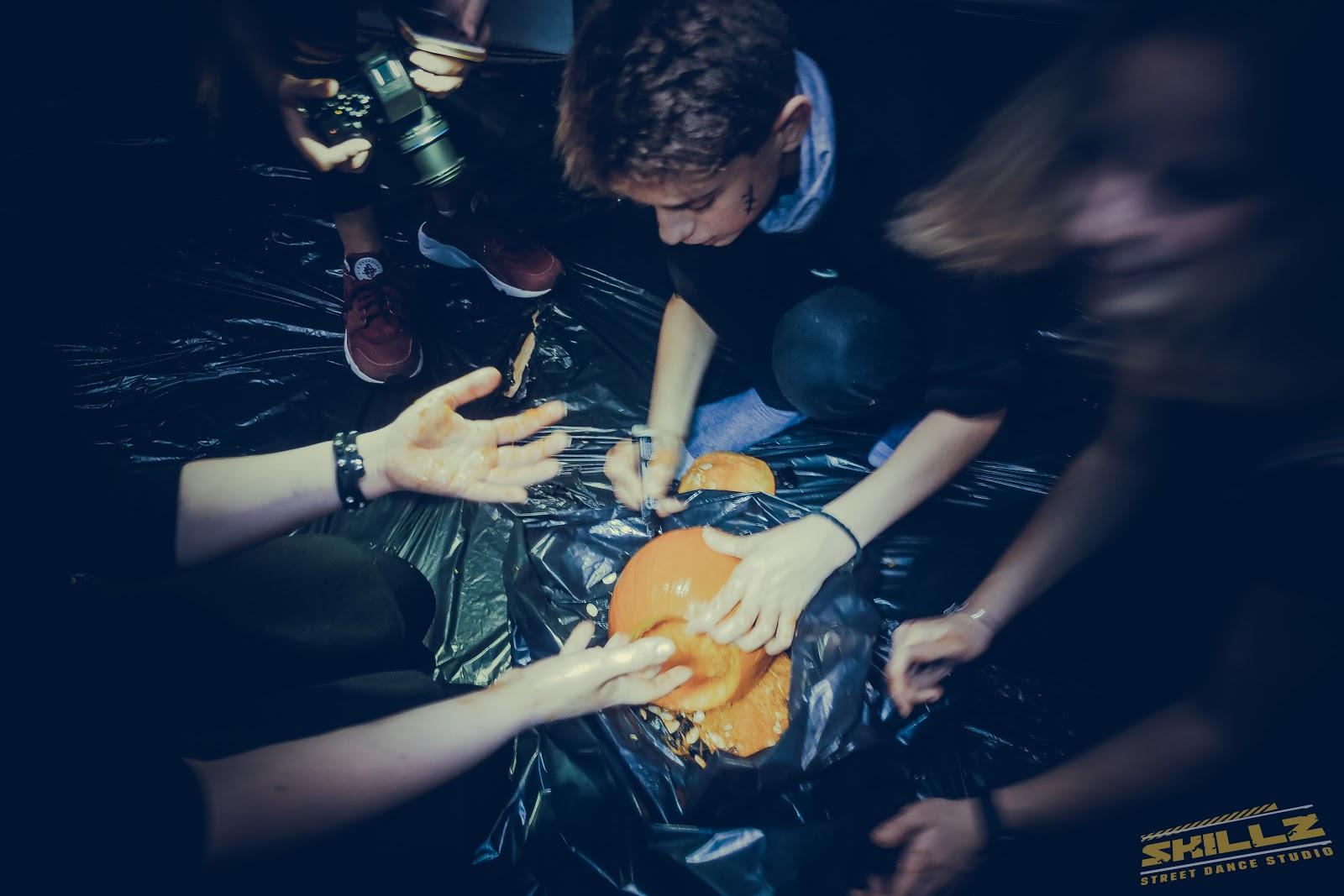 Naujikų krikštynos @SKILLZ (Halloween tema) - PANA2049.jpg