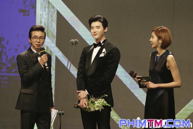 Loạt sao Hàn bị lên án vì thái độ lồi lõm và phát biểu vô tâm khi nhận giải - Ảnh 3.