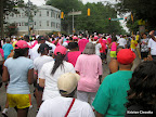 Go runners! Go walkers! Go pink people!