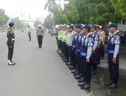 Sub Denpom V/1-2 Ngawi bekerjasama dengan Satlantas Polres Ngawi serta DLLAJ setempat melakukan Operasi Yustisi Citra Wira Clurit