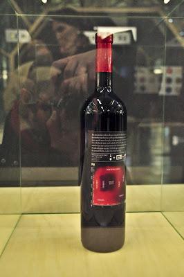 Nano wine (du projet hollandais Eating in-vitro - 2010), présenté dans le cadre du Nano Supermaket.