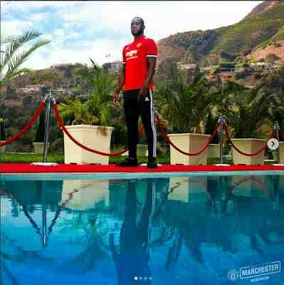 Lukaku Rocks Manchester United Kit For The First Time