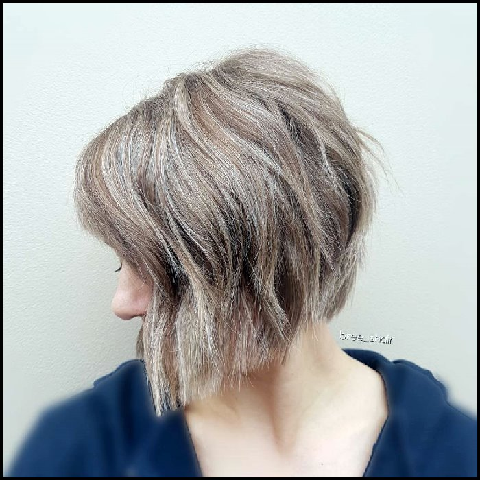 +10 Latest Short Hairstyle For Women Over 40 - 50 4