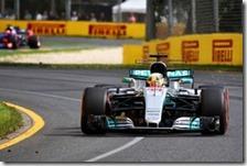 Lewis Hamilton nelle prove libere del gran premio d'Australia 2017