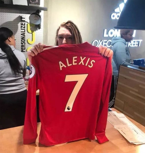timeless design 3cb96 ce647 SNAPPED! Alexis Sanchez pictured in full Man Utd kit on Old ...