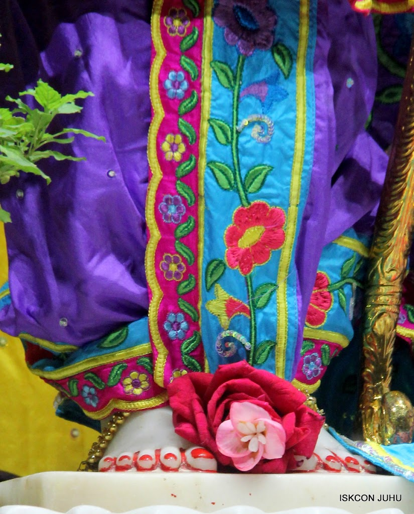 ISKCON Juhu Mangal Deity Darshan on 10th July 2016 (14)