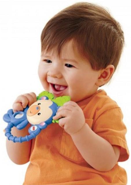 Chơi với Ngậm nướu Khỉ con Fisher Price giúp bé nhà bạn phát triển toàn diện cả về thể chất lẫn tinh thần