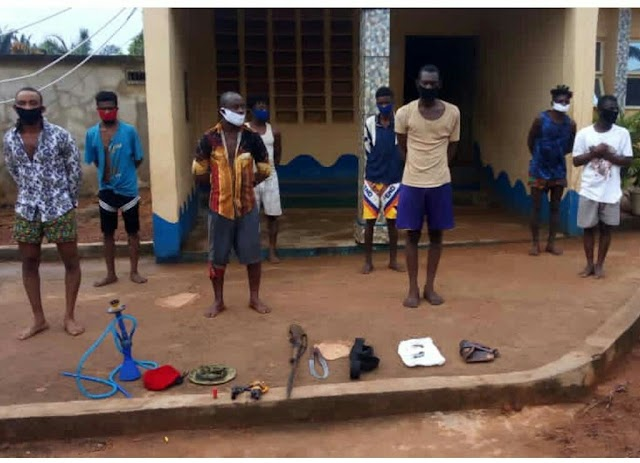 Police arrests eight suspected cultists in Anambra, recover arms and ammunition (photo)