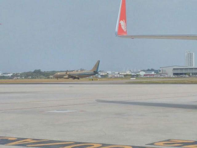Pesawat 'emas' Sultan Johor mendarat di Airport Bayan Lepas
