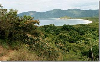 trilha-entre-praia-do-leste-e-parnaioca