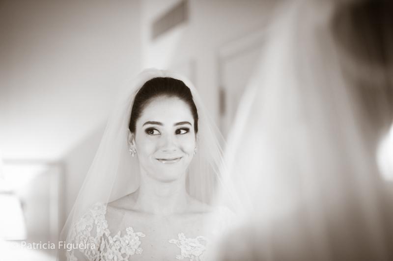 Foto de casamento 0255pb de Mônica e Rafael. Marcações: 03/09/2011, Casamento Monica e Rafael, Eduardo Jonata, Fotos de Maquiagem, Maquiagem, Maquiagem de Noiva, Rio de Janeiro.