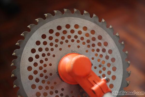 brush disc blade pada mesin rumput sandang
