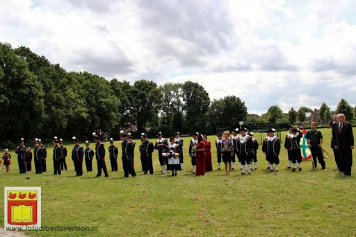 Koningschieten Sint Theobaldusgilde overloon 01-07-2012 (5).JPG