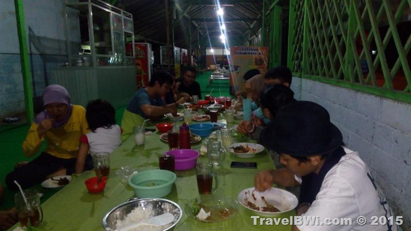 Makan Malam Bersama Ikan Bakar Rogojampi - Trip Travel BWi Banyuwangi