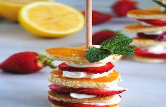 Minitorta de fresa y nata