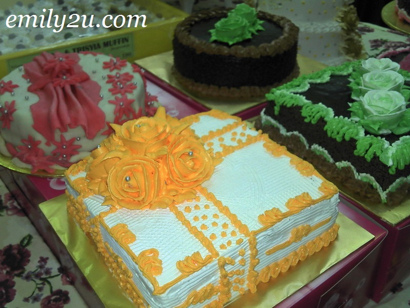 orange icing cake